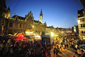 People partying in Ghent during the yearly festival (Photo: http://www.gentsefeesten.be - 2014)